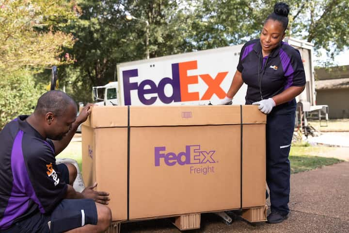 FedEX adopts blockchain